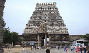 Sri_Varadaraja_Perumal_Temple_-_Kanchi1